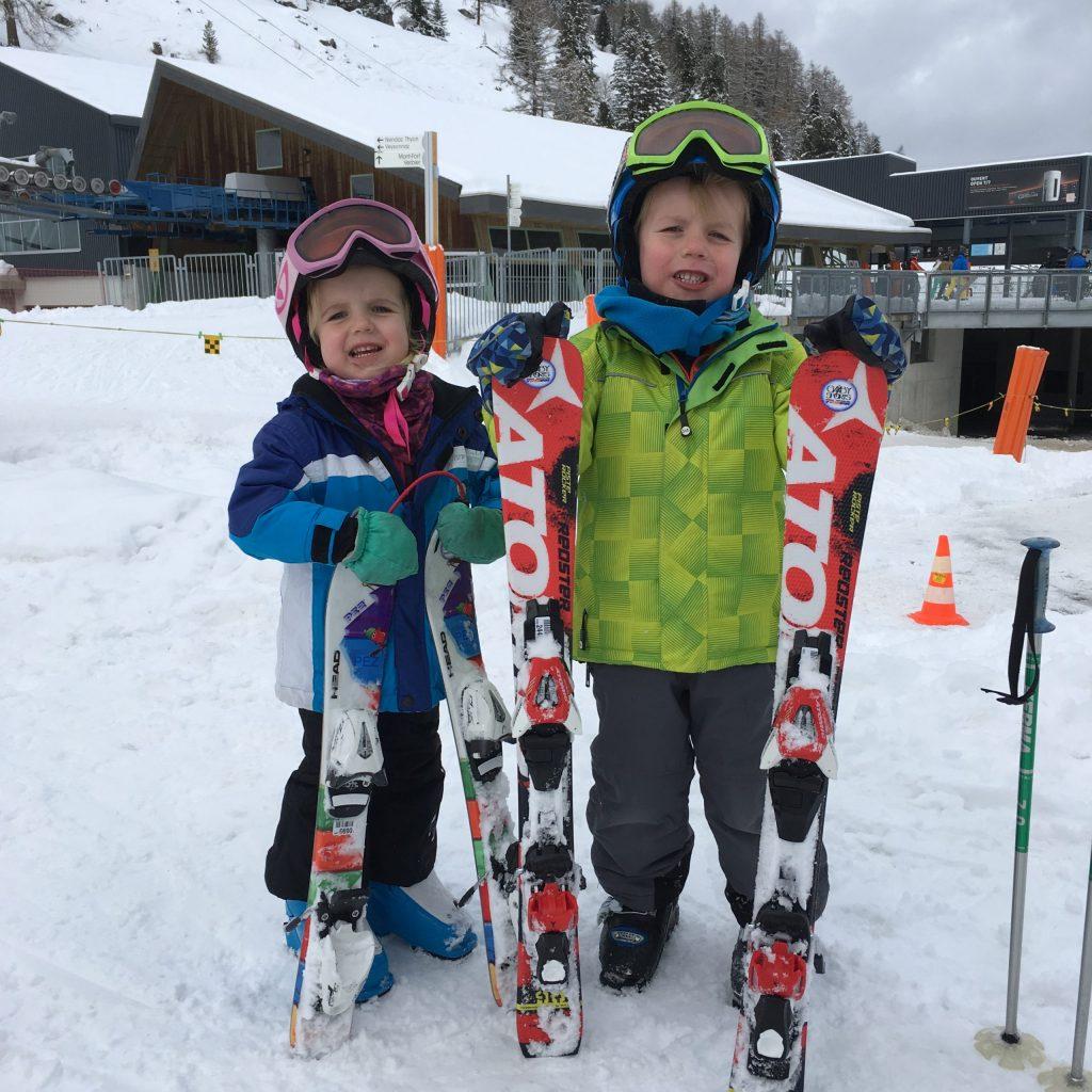 little kids skiing